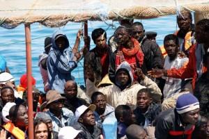 boot mit flüchtlingen, nahaufname